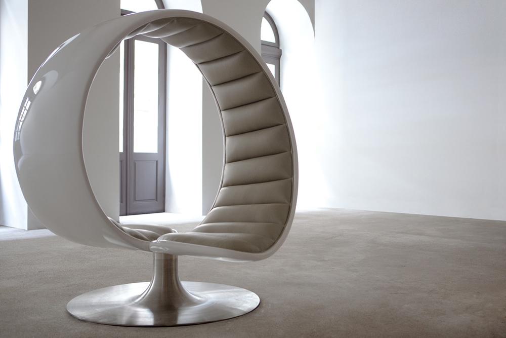 Hug Chair by Gabriella Asztalos