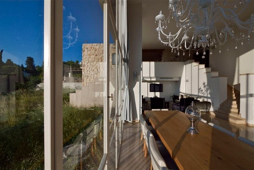 House on the Cliff in Kiryat Tiv'on, Israel by Witt Architects