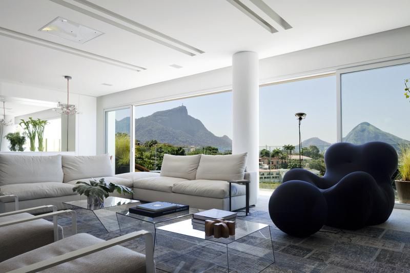 Mirante House in Rio de Janeiro, Brazil by Gisele Taranto Arquitetura