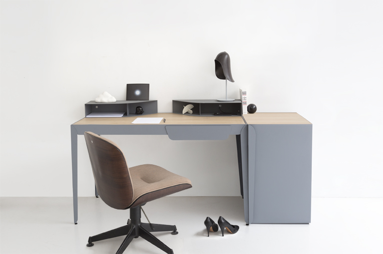 Flamingo Desk by Constance Guisset
