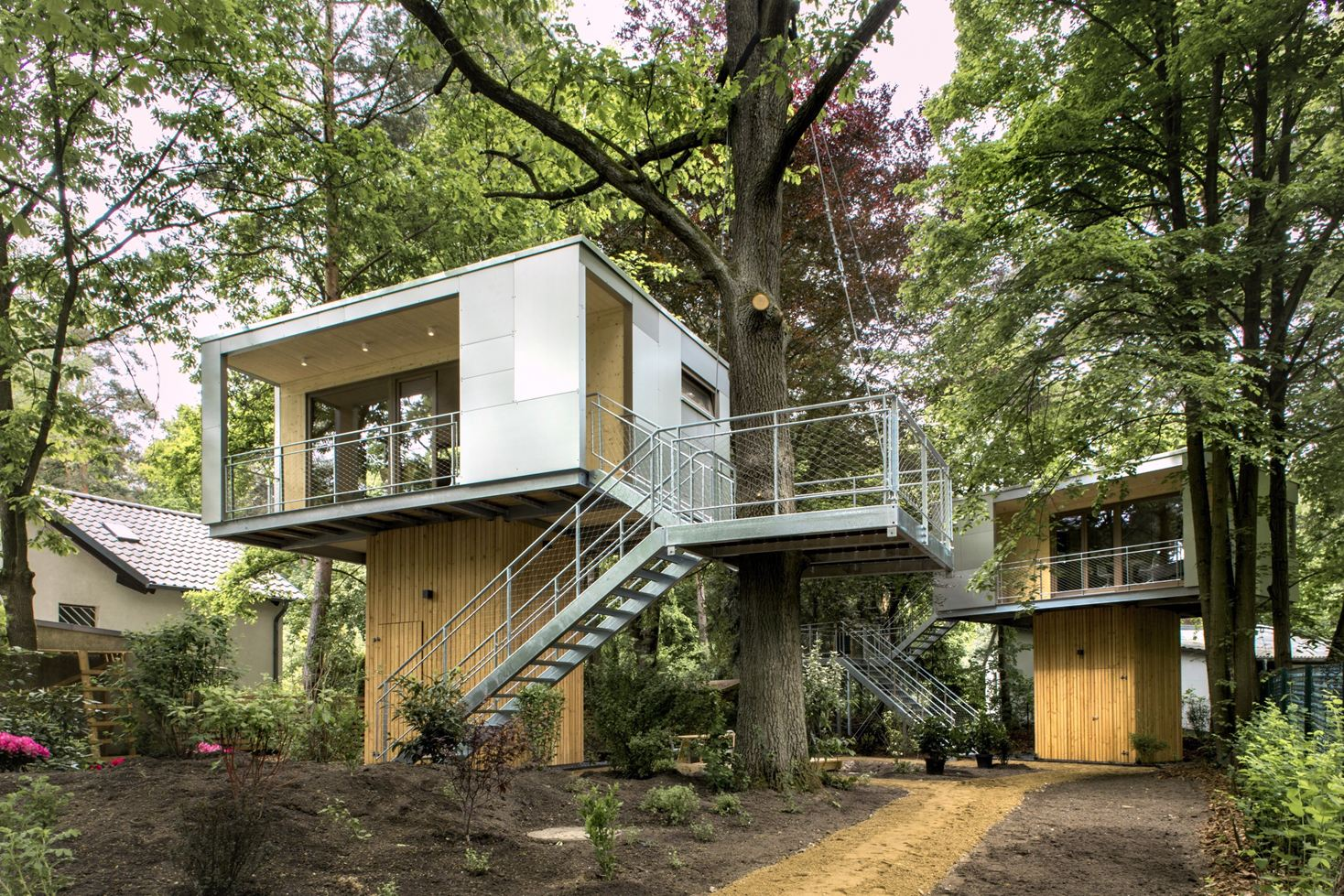 Urban Treehouse in Berlin, Germany by baumraum