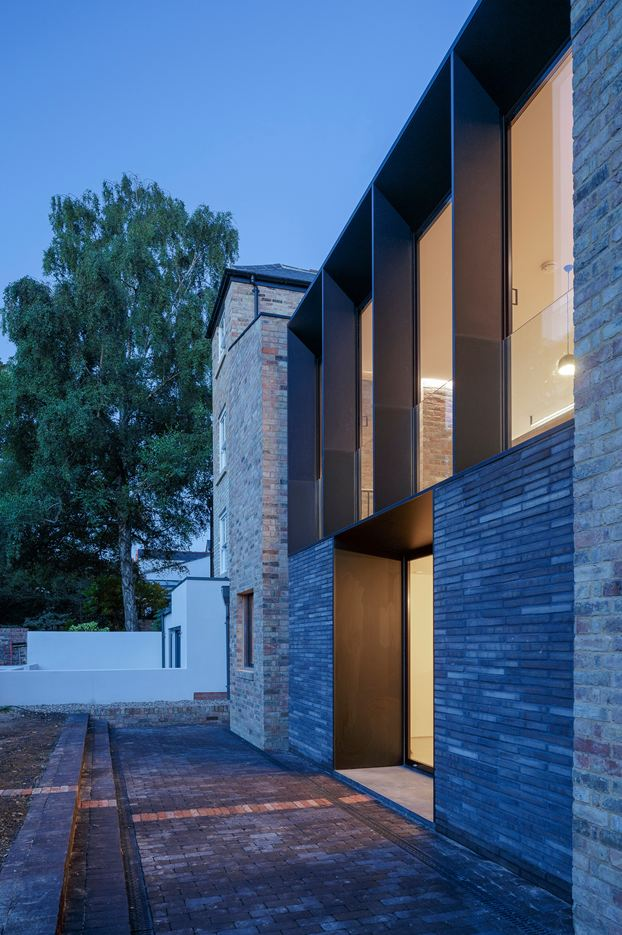 Semi Detached Residence in Oxford, UK by Delvendahl Martin Architects