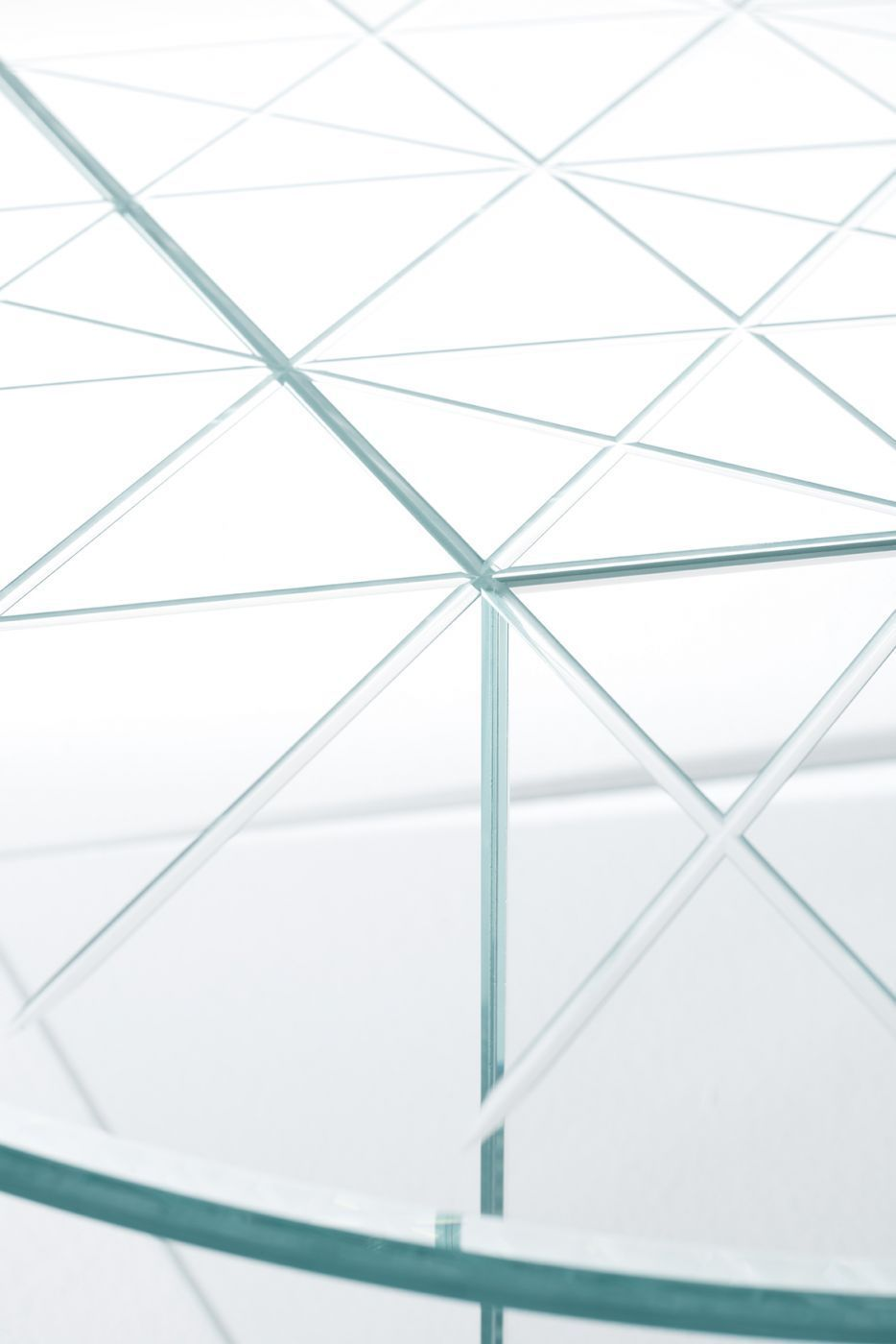 Twinkle Table by Chiara Andreatti for Glas Italia