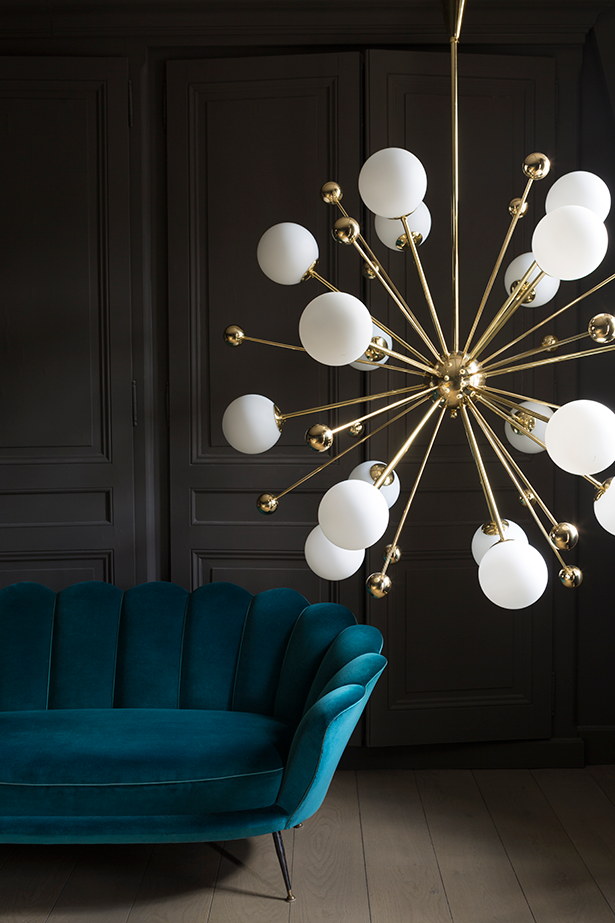 Chandelier 01 by Magic Circus Éditions