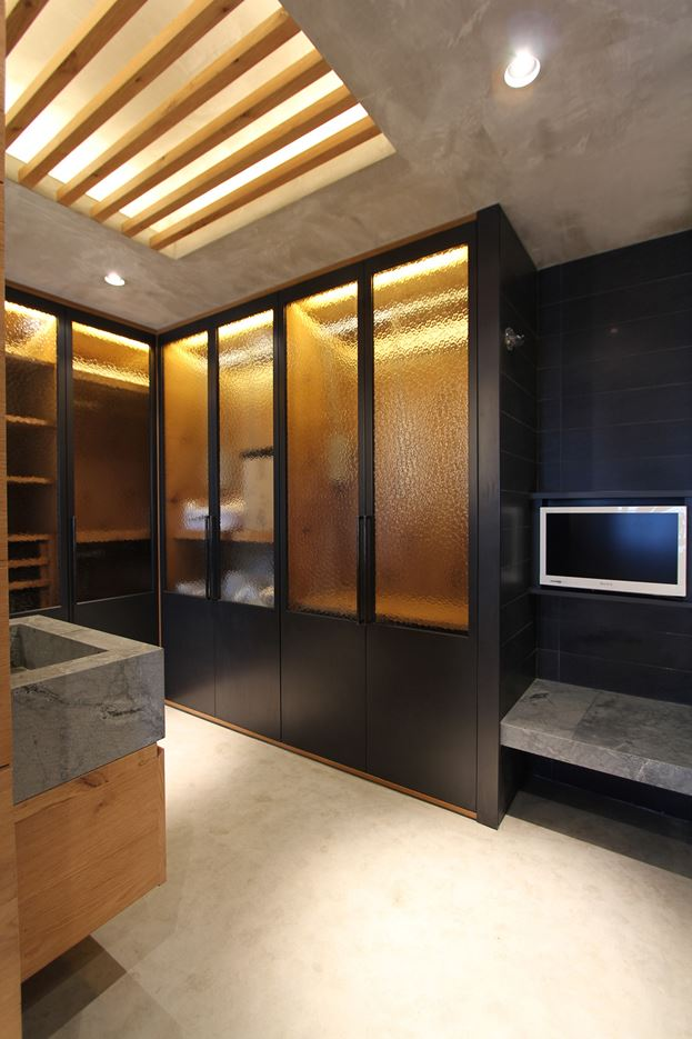 West Kowloon Private Apartment in Hong Kong by EDGE Design Institute