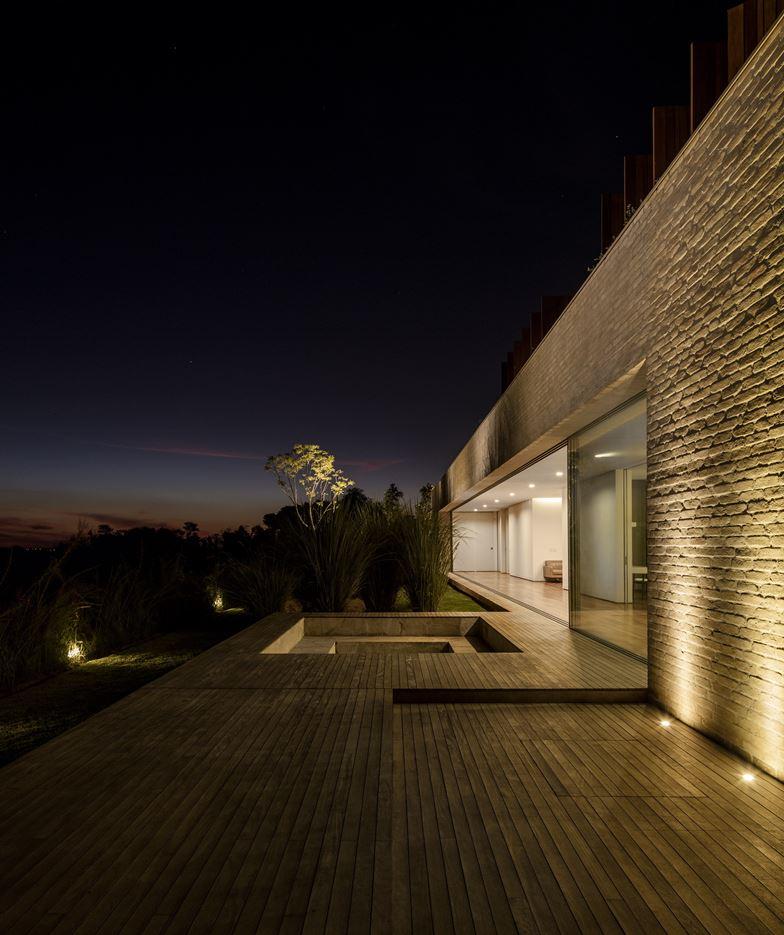 MS House in São Paulo, Brazil by Studio Arthur Casas