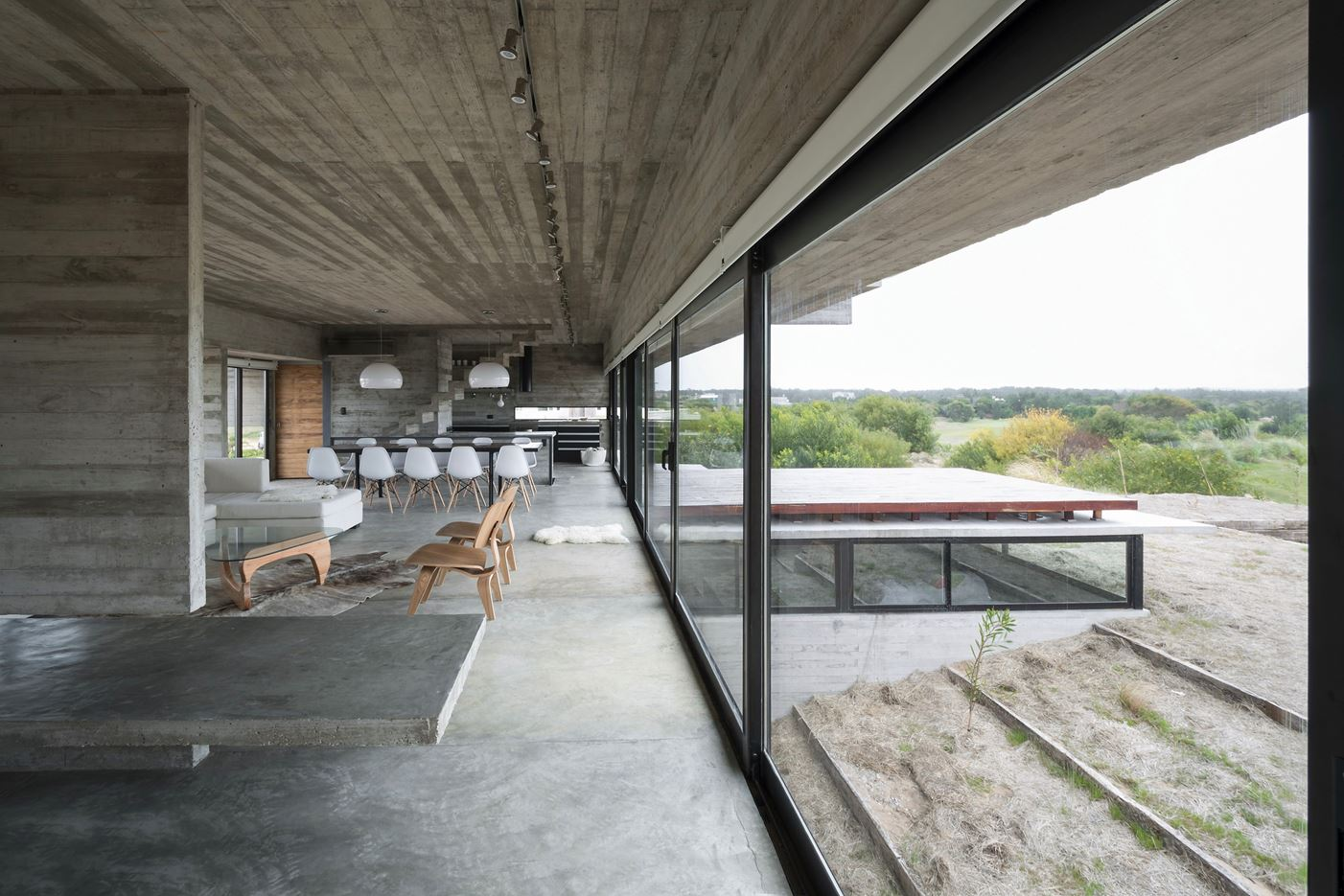 Golf House in Pinamar, Argentine by Luciano Kruk