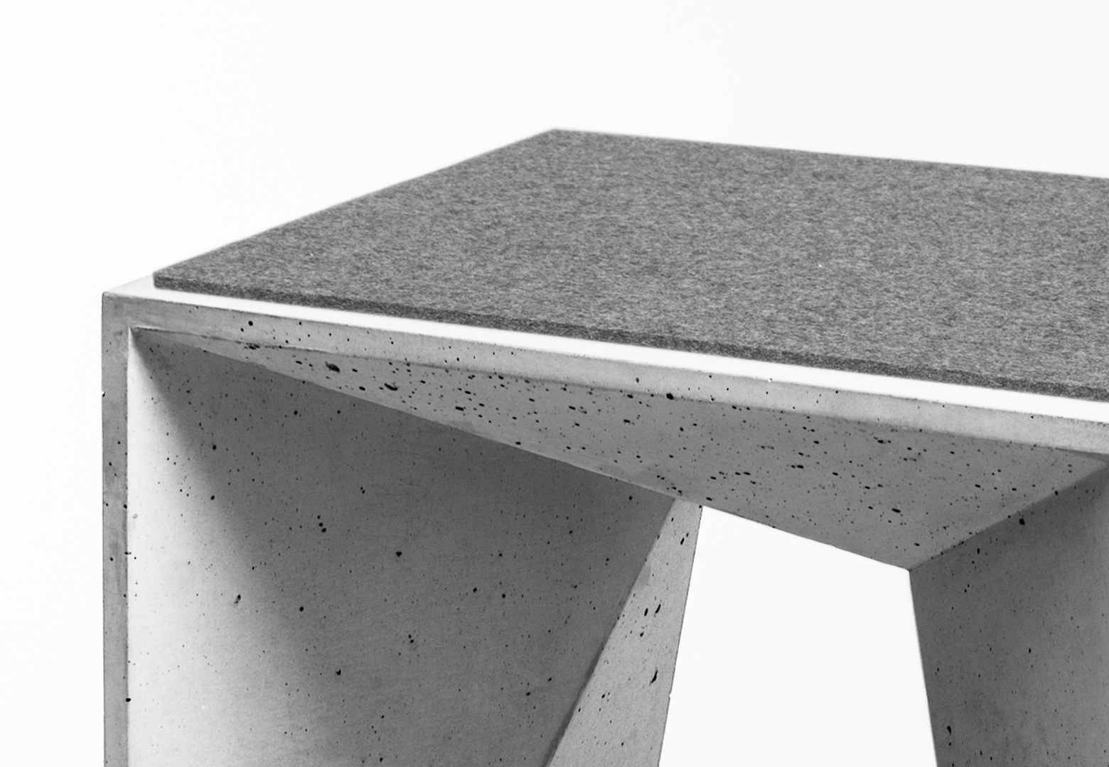 HOCKER HEINRICH Concrete Stool by Panatom & Matthias Froböse