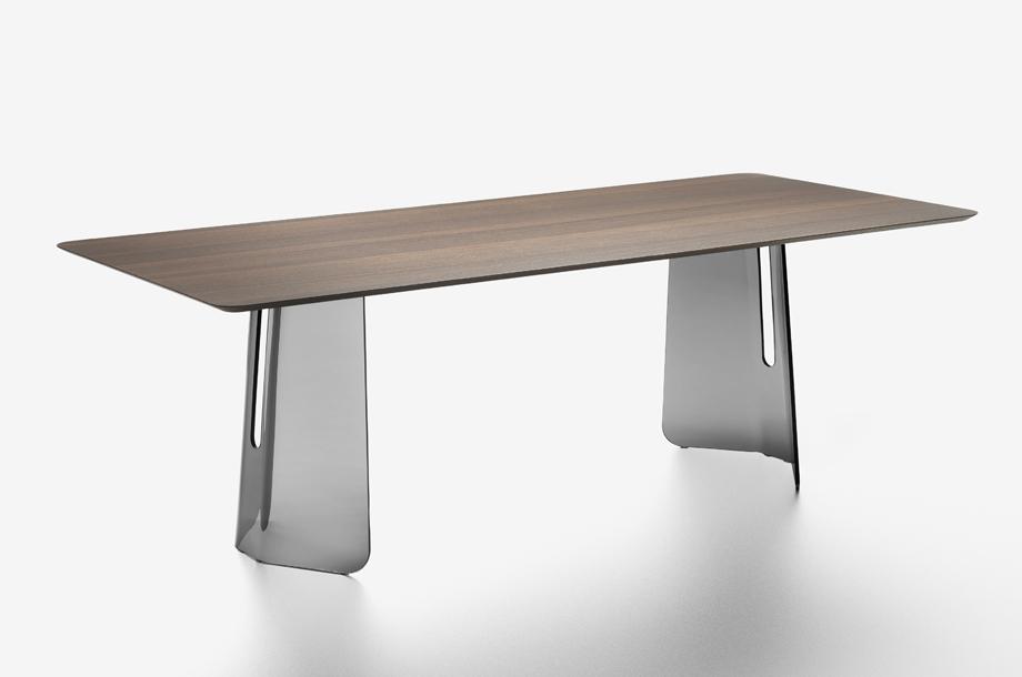 Pliè Dining Table by Studio Klass for FIAM