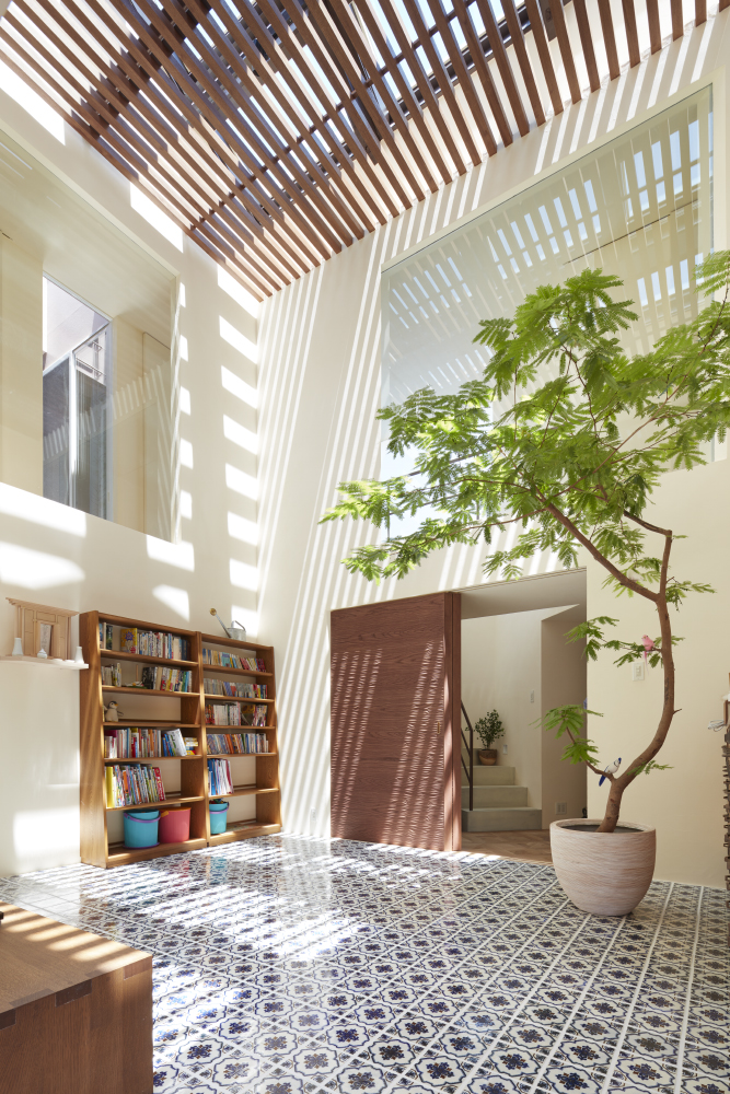 House in Ishikiri, Japan by Fujiwaramuro Architects