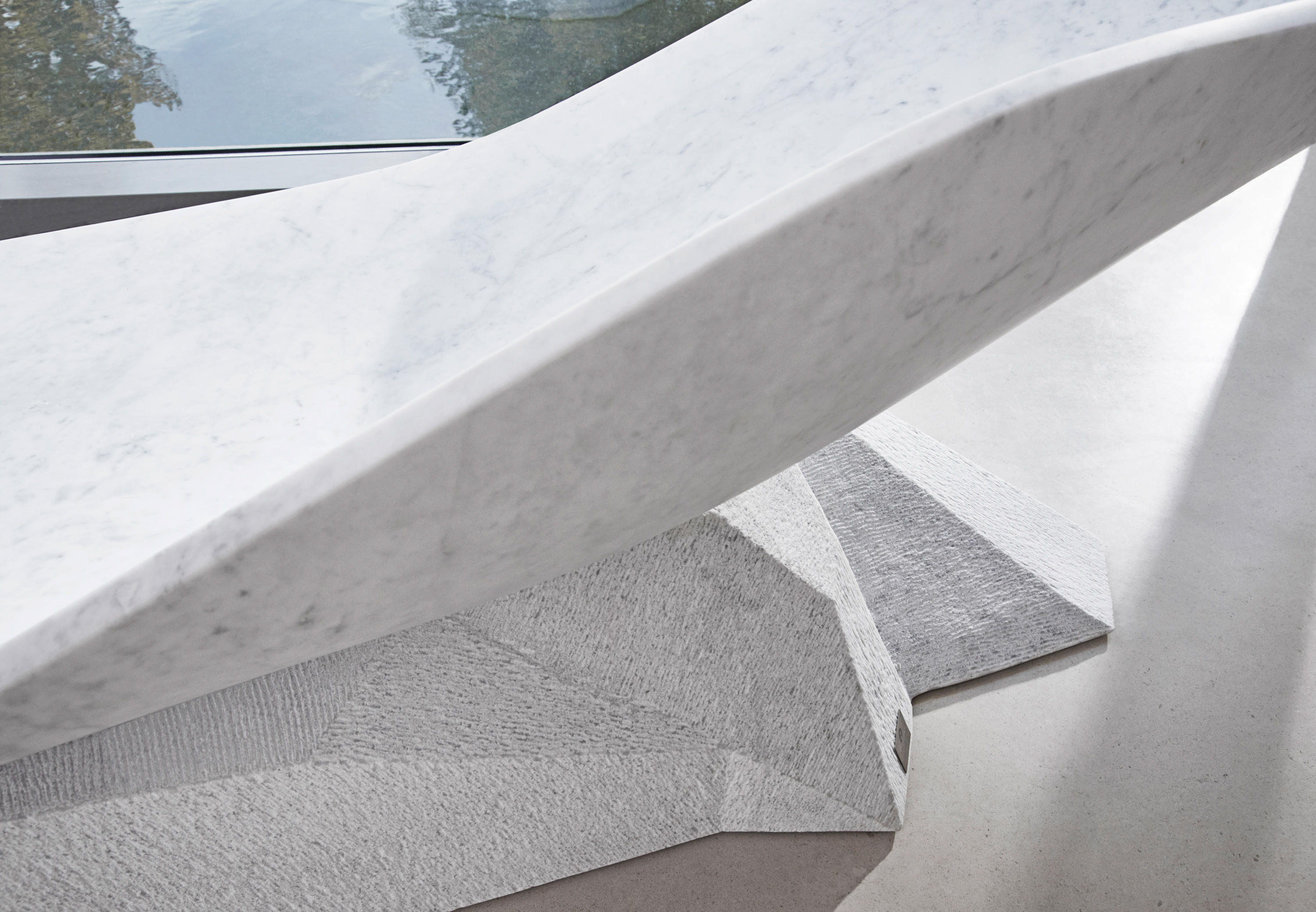 Marble Wing Chaise by Hadi Teherani for Draenert