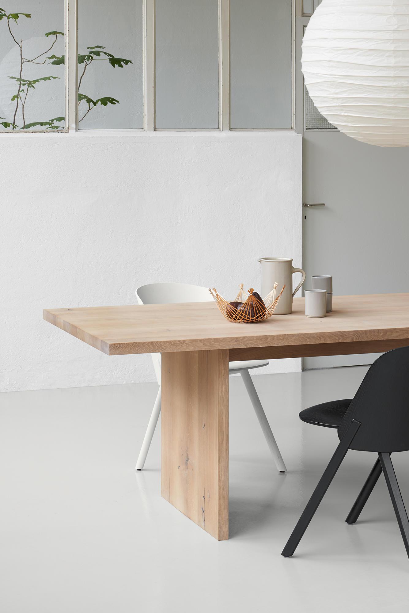 ASHIDA Table by e15