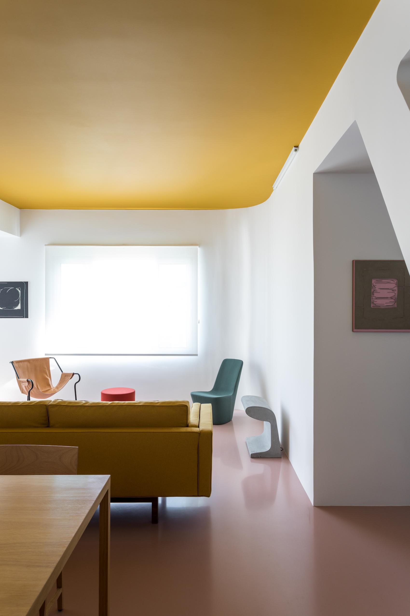 Apartmento Cass in São Paulo, Brazil by Felipe Hess