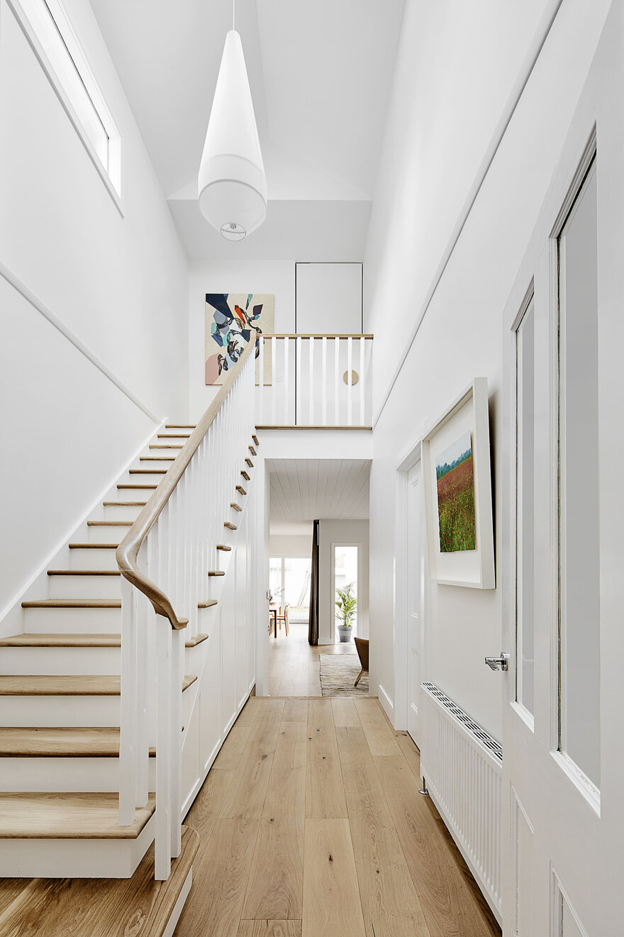 Elgin House in Melbourne, Australia by Bryant Alsop