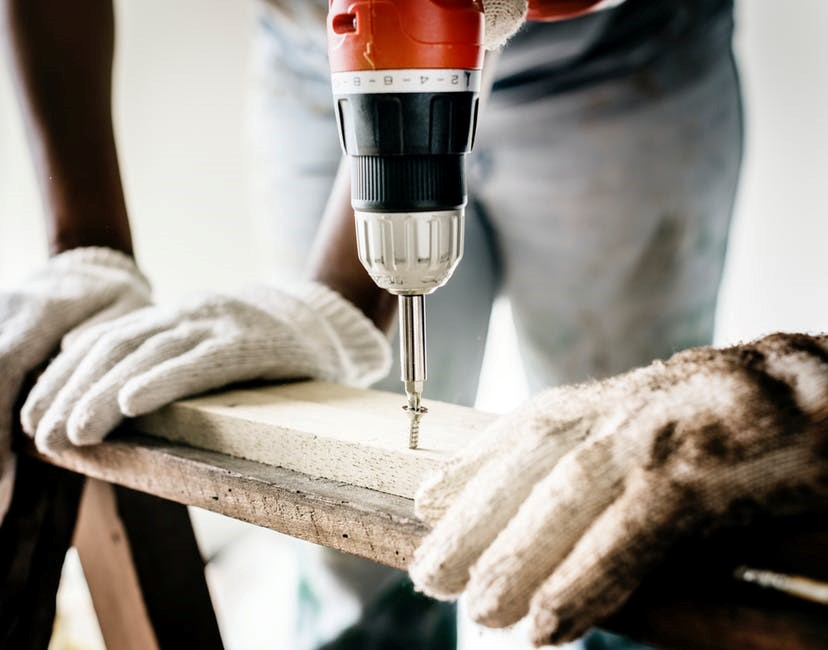 Choose the Right Renovation Contractor