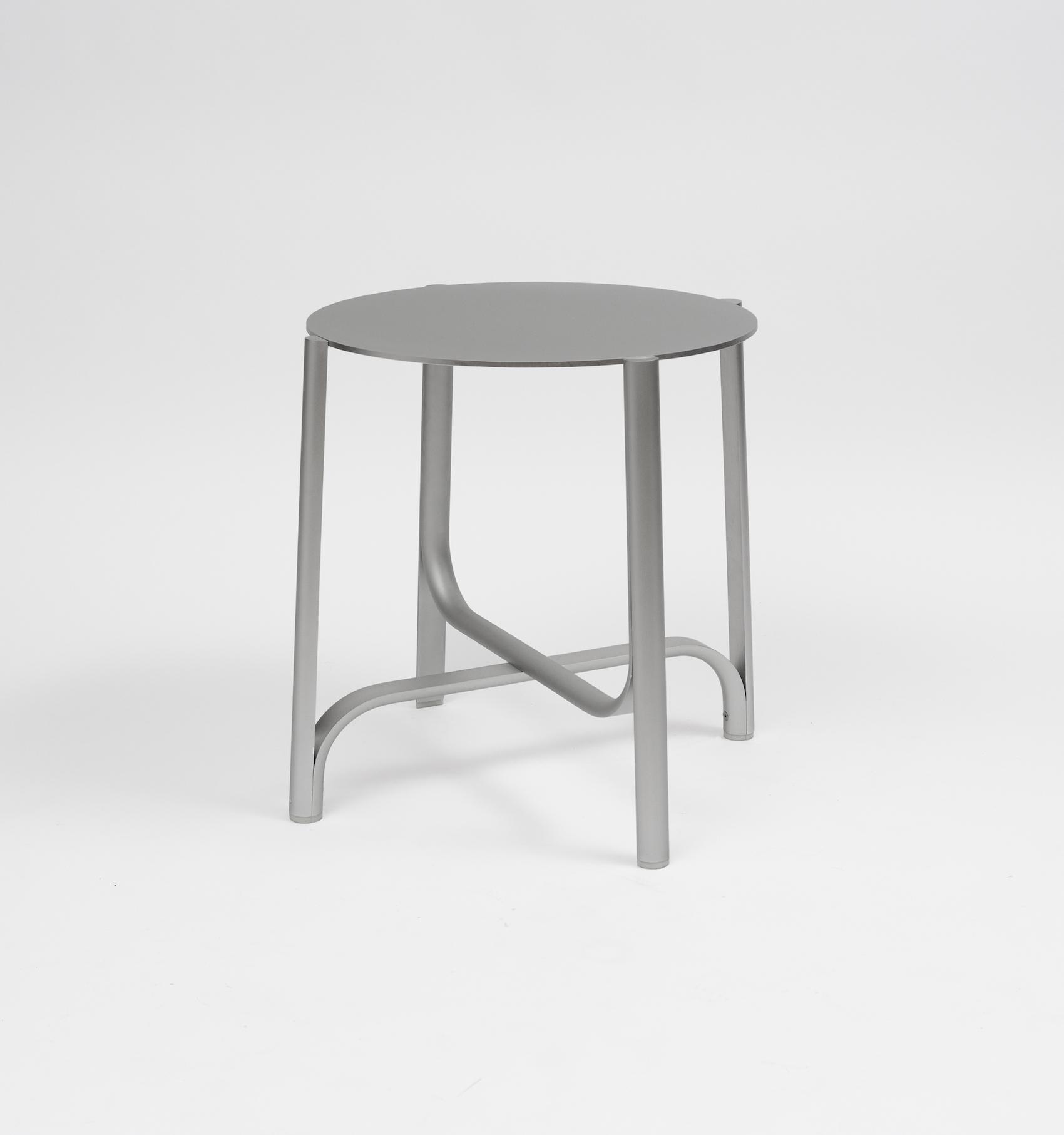 401 Minimalist Table by Jamie Wolfond