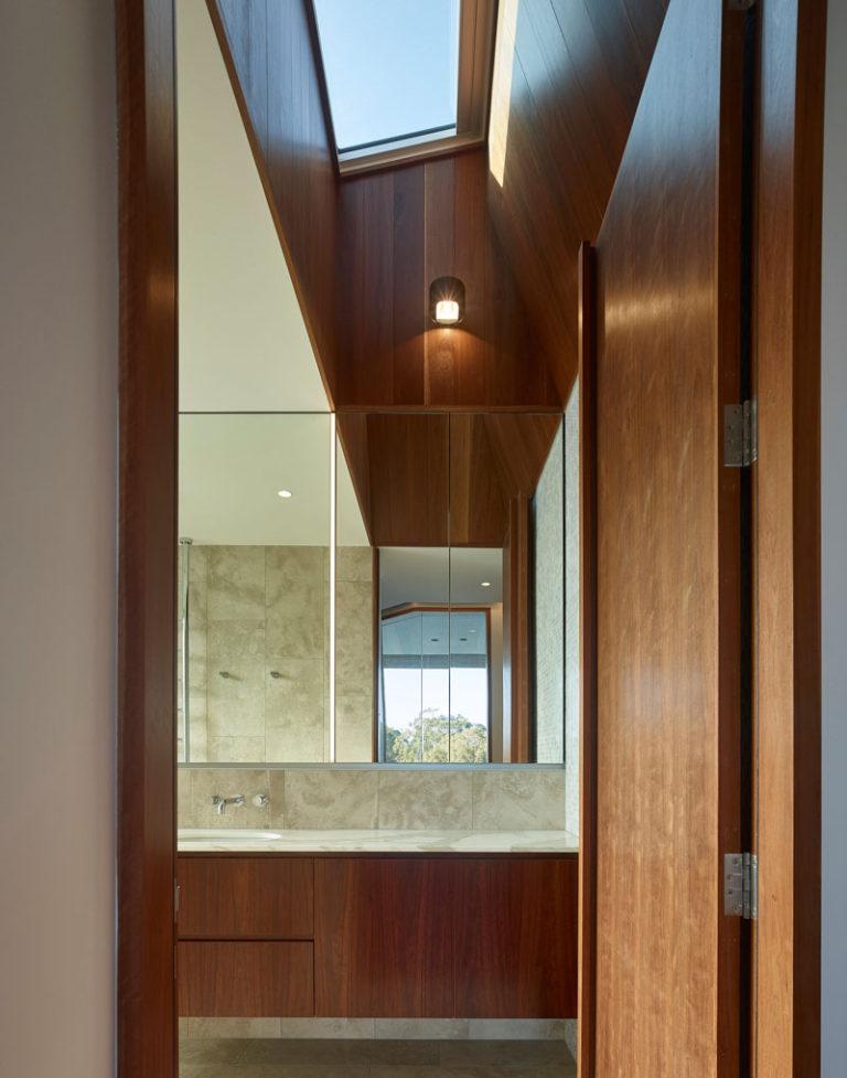 The V House by Shaun Lockyer Architects on the Sunshine Coast in Australia