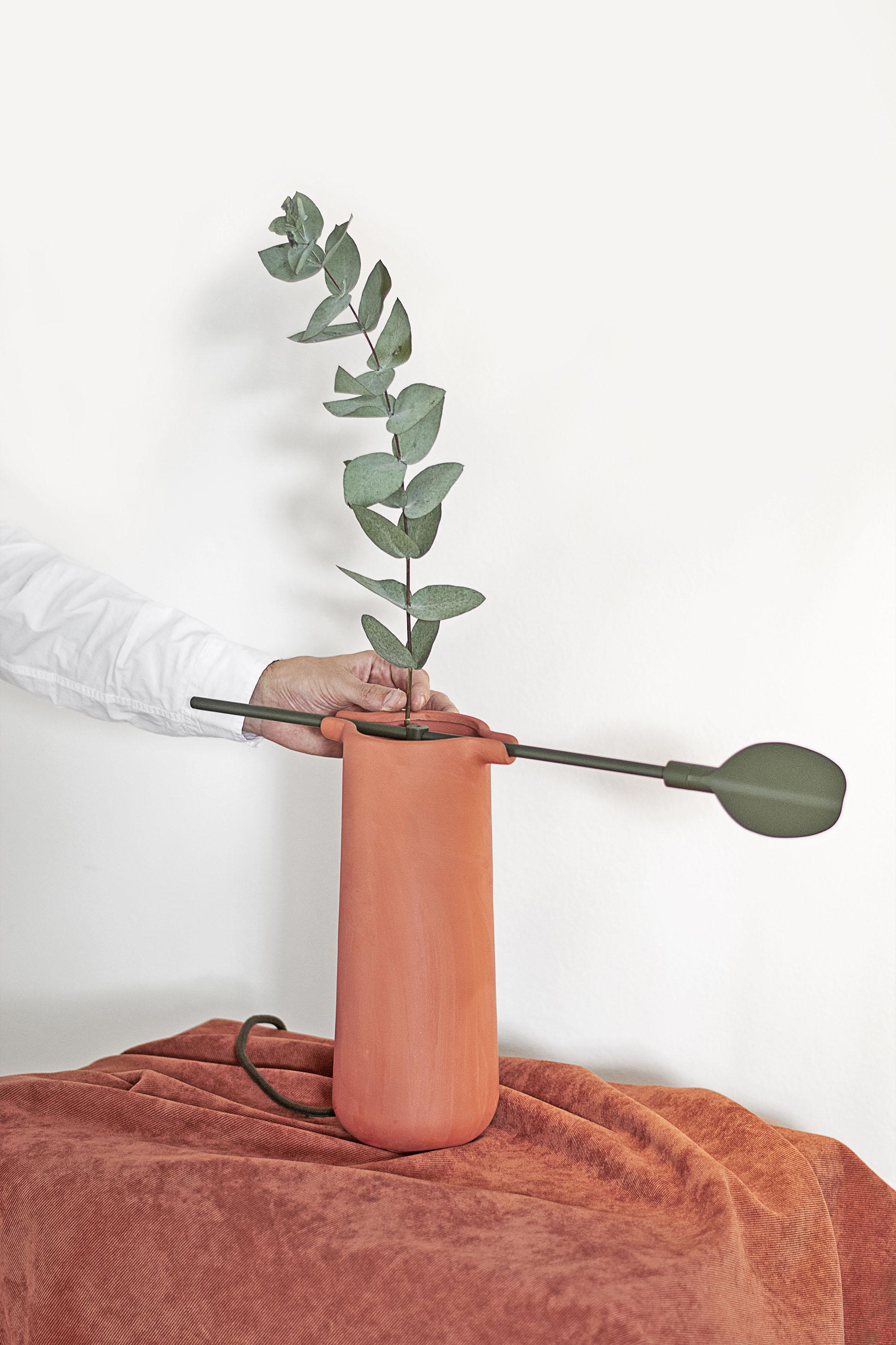 Minimalist Baobá Lamp by Ventura Lab
