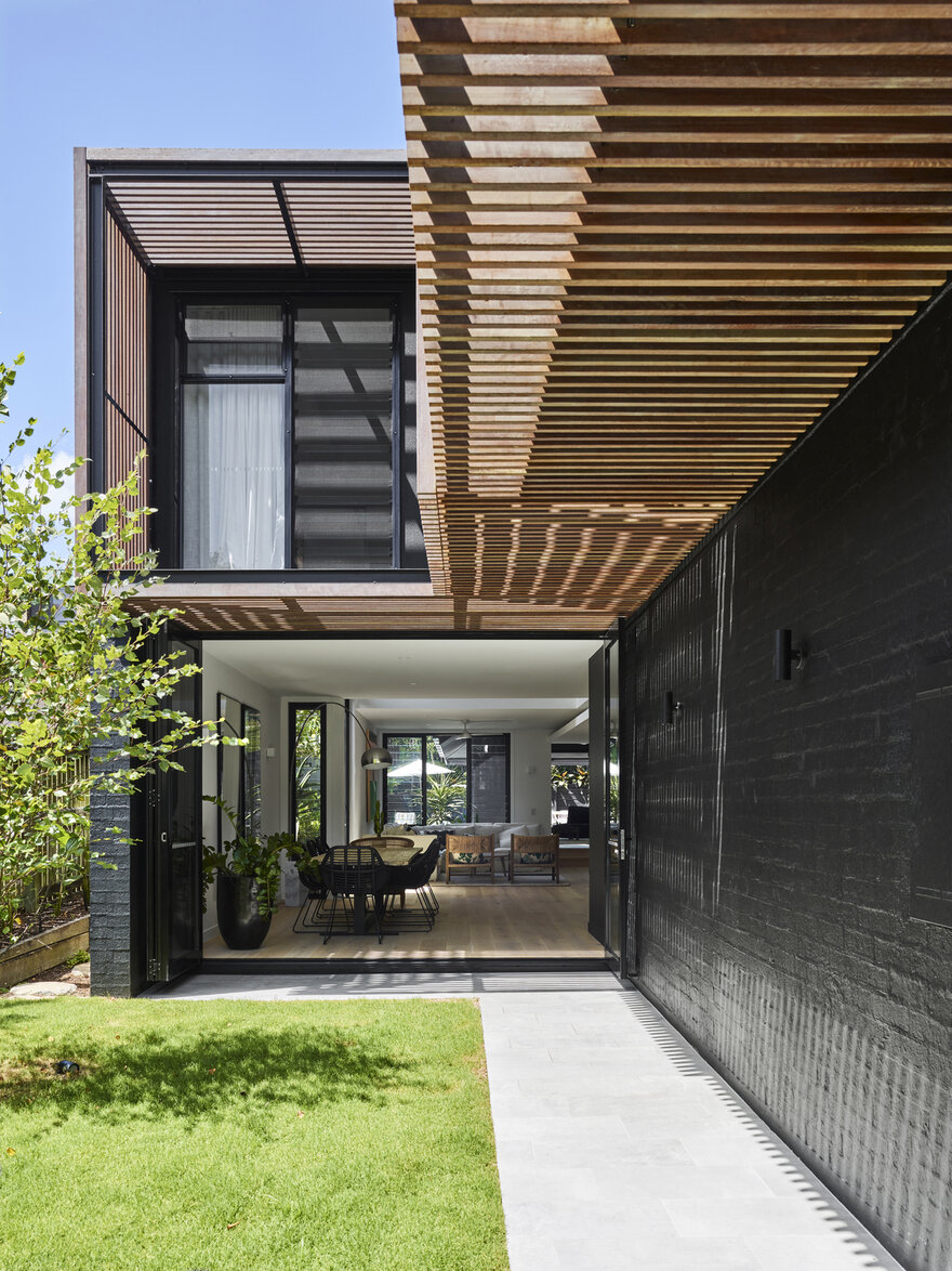 Barlow House by Alexandra Buchanan Architecture in Brisbane, Australia