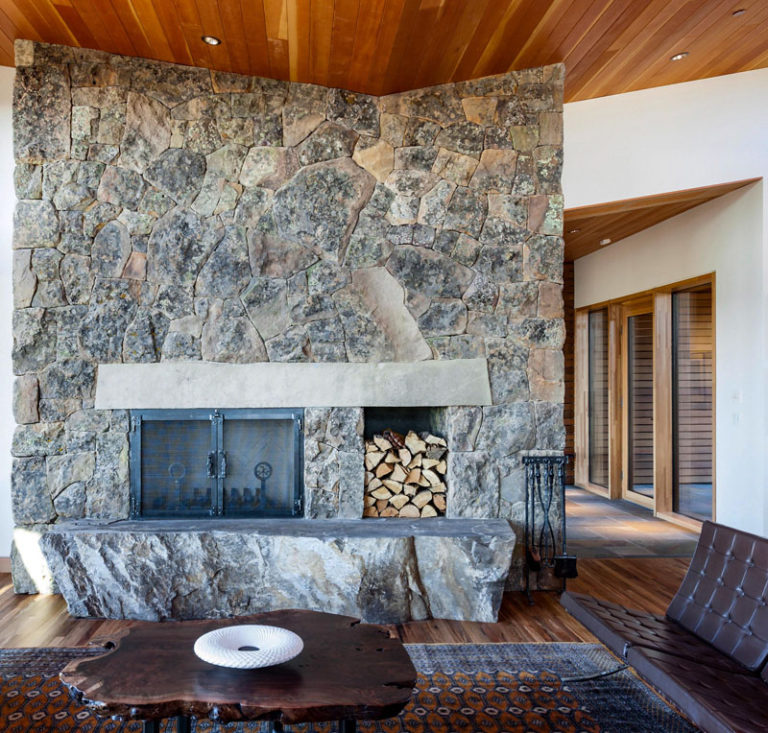 The Live Edge Residence by Nathan Good Architects in Central Oregon