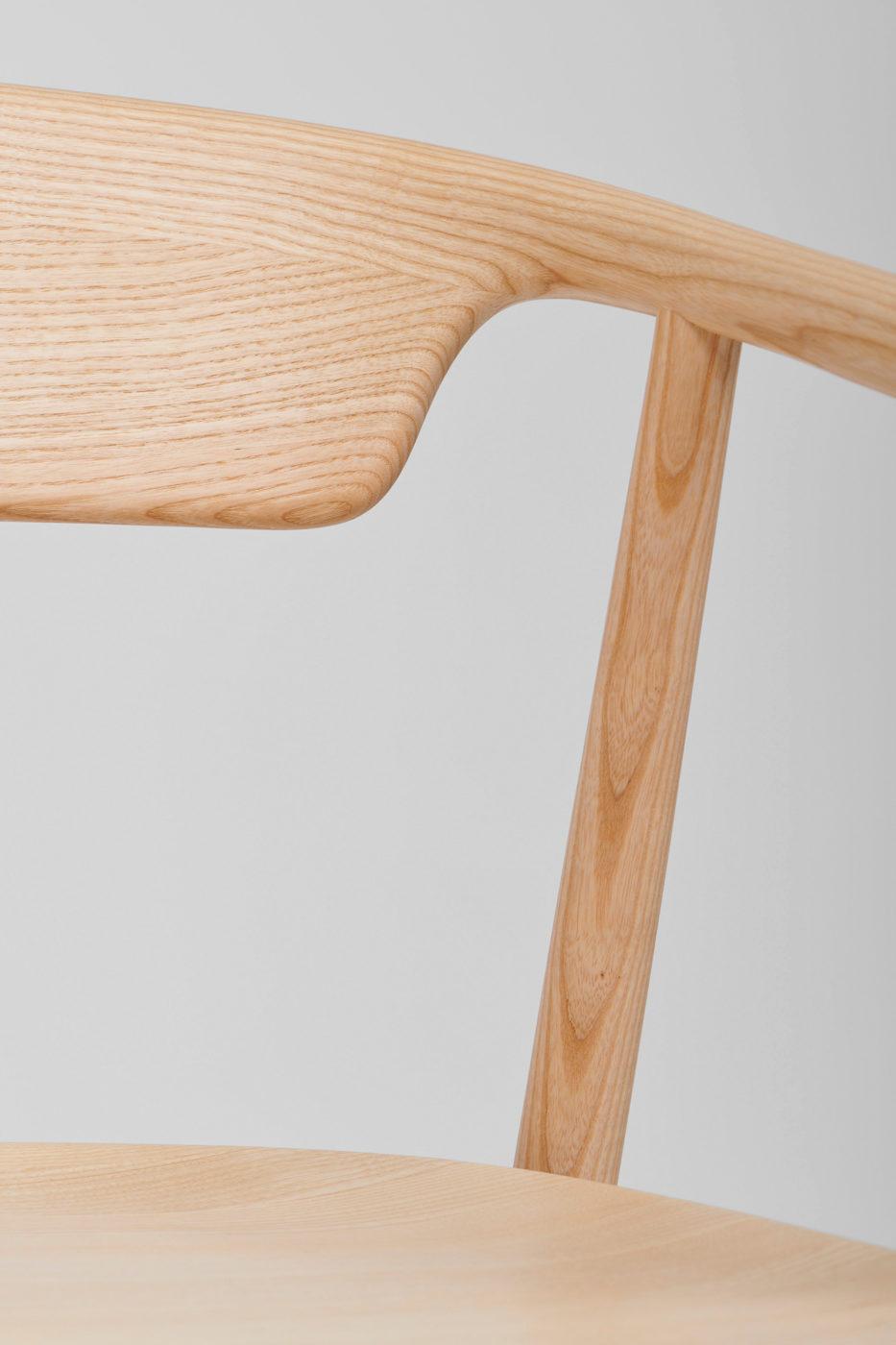 "Stylish Minimalist Chair ""MC21 LEVA"" by Fosters + Partners"
