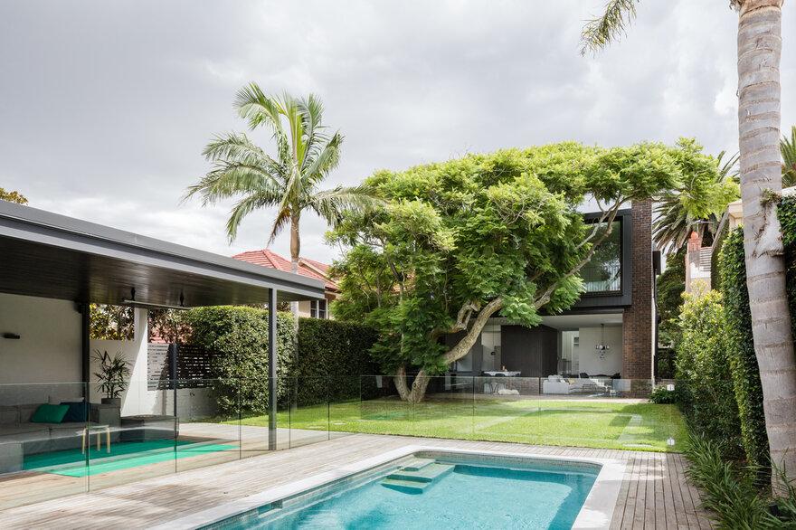 Jacaranda House by MacCormick & Associates Architects in Sydney, Australia