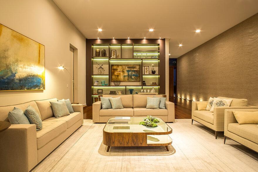 Contemporary Single-Storey House by Belluzzo Martinhao Arquitetos in Cotia, Brazil