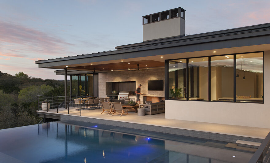 Westview Cliffside Residence by McCollum Studio Architects in Austin, Texas
