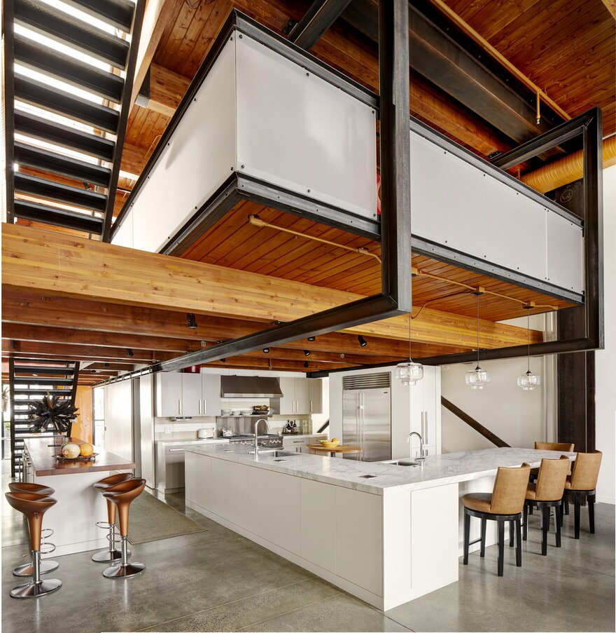 Counterbalance Loft by Eggleston Farkas Architects in Seattle, United States