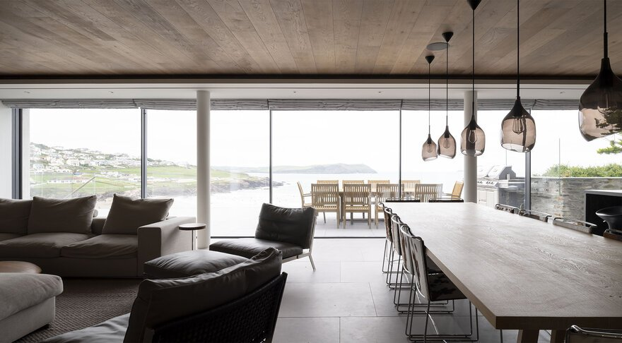 Polzeath Beach House by McLean Quinlan Architects in Polzeath, Cornwall, England, United Kingdom